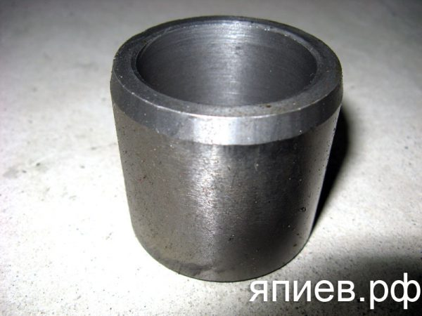 Втулка цапфы МТЗ малая с/о (чугун) 50-3001052 (РЗТ) зт