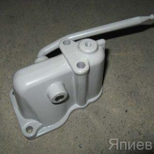 Крышка ПД-10 с рычагом 240-1024115