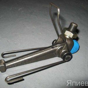 Рычаг оттяжной нажим. диска Т-150 (ЯМЗ) в сб. 236-1601095 (РФ) п