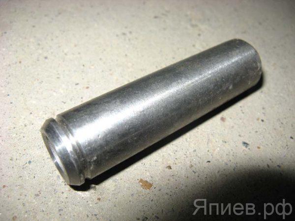 Втулка клапана К-700 направляющая 236-1007032 (ЯЗТО)